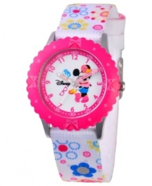 Pretty polka dots and bows! Help your kids stay on time with this fun Time Teacher watch from Disney. Featuring iconic character Minnie Mouse, the hour and minute hands are clearly labeled for easy reading.